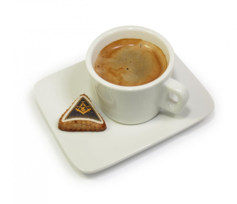 Perníček s jedlou etiketou ke kávě